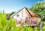 Camping avec Hébergements insolites Pays de la Loire - La Pomme de Pin-2
