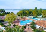 Camping  Acceptant les animaux France - Le Col Vert-1
