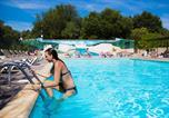 Camping avec Accès direct plage Meyras - Les Cascades-1