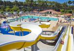 Camping avec Ambiance club Landes - Les Oyats-1
