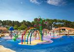 Camping avec Ambiance club Landes - Les Oyats-2