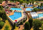 Camping avec Ambiance club Vitrac - Les Peneyrals-1