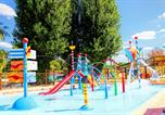 Camping avec Ambiance club Vitrac - Les Peneyrals-3