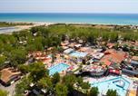 Camping avec Accès direct plage Hérault - Les Sablons-1