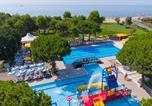 Camping avec Quartiers VIP / Premium Italie - Village Mediterraneo-4