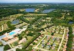 Camping  Acceptant les animaux Landevieille - Village de la Guyonnière-1