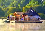 Camping avec Site de charme Pressac - Village Flottant de Pressac-4