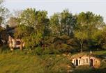 Location vacances  Tarn - Grande maison avec piscine au coeur de 15 hectares de prairies et forêts-1