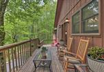 Location vacances Whittier - Creekside Home with Fire Pit, Less Than 15 Mi to Hiking-2