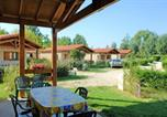 Location vacances Pouydraguin - House with 2 bedrooms in Estang with shared pool furnished terrace and Wifi-1