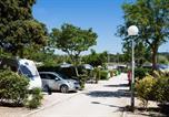 Camping avec Quartiers VIP / Premium Sausset-les-Pins - Le Pascalounet-1