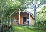 Camping  Acceptant les animaux Ain - Huttopia Divonne Les Bains-4