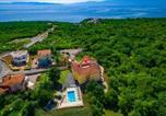 Location vacances Kostrena - Beautiful apartment in Kostrena Sveta Lucij w/ Outdoor swimming pool and 3 Bedrooms-1