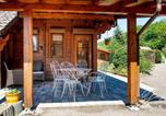 Location vacances Le Ménil - Chalet La Calougeotte avec jardin clos et sauna privatif-3