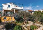 Location vacances Seget Vranjica - Two-Bedroom Apartment in Seget Vranjica-3