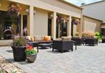 Hôtel St Louis - Courtyard St. Louis Westport Plaza-2