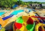 Camping avec Piscine couverte / chauffée Vannes - Capfun - Camping Lodge-2