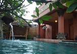 Location vacances Bintan Utara - Balinese Villa with Private Pool in Batam-2