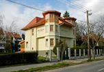 Location vacances Sopron - Villa Sakura Panzió-1