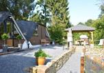Location vacances Ohey - Spacious Chalet in Gesves near River-2