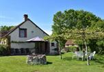 Location vacances  Loiret - Quiet Holiday Home in Oussoy-en-Gatinais with a Garden-1