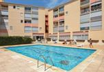 Location vacances Le Grau-du-Roi - Awesome apartment in Le Grau du Roi w/ Outdoor swimming pool, Outdoor swimming pool and 2 Bedrooms-1