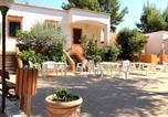 Location vacances  Province de Foggia - Vieste Villa Sleeps 5 Air Con Wifi-2