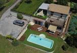 Location vacances Apiro - Villa nelle Marche con piscina jacuzzi e sauna-1