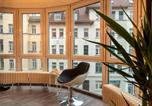 Hôtel Brandis - Künstlerisches Glasfront-Apartment-2
