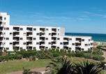 Location vacances  Aude - Apartment Le Barcarès 2-2