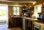 Location vacances Buoux - House with 3 bedrooms in Bonnieux with wonderful mountain view shared pool furnished garden-4