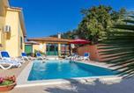 Location vacances Labin - Holiday home Labin Presika-1