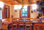 Location vacances Ribnik - Three-Bedroom Holiday Home in Gradac-3