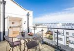 Location vacances Cheltenham - Luxury Three Bedroom Town Centre Apartment-4