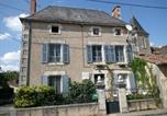 Hôtel Lussac-les-Châteaux - Le Petit Cochon chambre d` hotes-1