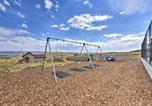 Location vacances Logan - Cabin with Beach Access, Sport Court, Hot Tub and View-2