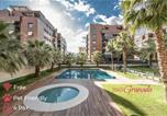 Location vacances Churriana de la Vega - Enjoygranada Emir 3f - Pool, Gym & Free Parking-1