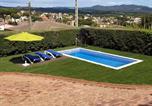 Location vacances Hostalric - Villa Fabiola-1