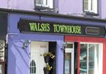 Location vacances Dingle - The Old Smokehouse Restaurant and Accommodation-1