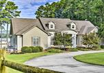 Location vacances Huntsville - Luxe Lakefront Scottsboro Home with Boat Slip and Pool!-1