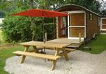 Location vacances Brey-et-Maison-du-Bois - Roulottes Gîtes - Auberge de la Rivière - Room service disponible-2