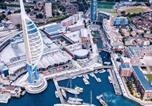 Location vacances Portsmouth - Spacious 2 Bedroom Apartment-1