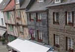 Location vacances  Calvados - Carpe diem / Au coeur de la ville-3