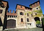 Location vacances  Province d'Alexandrie - Historic Castle in Tagliolo Monferrato Amidst Vineyards-1