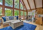 Location vacances Columbus - Saluda Cabin with Deck Situated on Lake Hosea!-4
