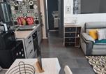 Location vacances Vayres - Petite maison sympathique plein de charme-3