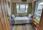 Location vacances Port Talbot - Holiday Home Cilybebyll-2