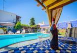 Location vacances Lora del Río - Villa with 3 bedrooms in Penaflor with private pool enclosed garden and Wifi-3