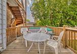 Location vacances Evanston - Updated Escape with Deck and Yard Near Northwestern-3