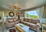 Location vacances Livingston - Yellowstone Country Family Home with Deck and View-3